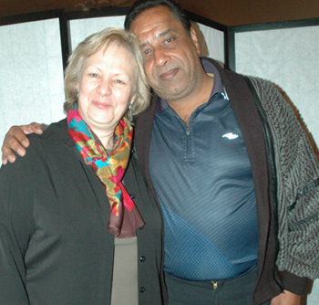 35-year employees Sybille Stegmueller and Kartar Thandi.