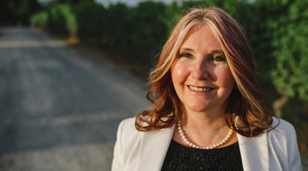 2014 Distinguished Alumni winner Patti MacAhonic