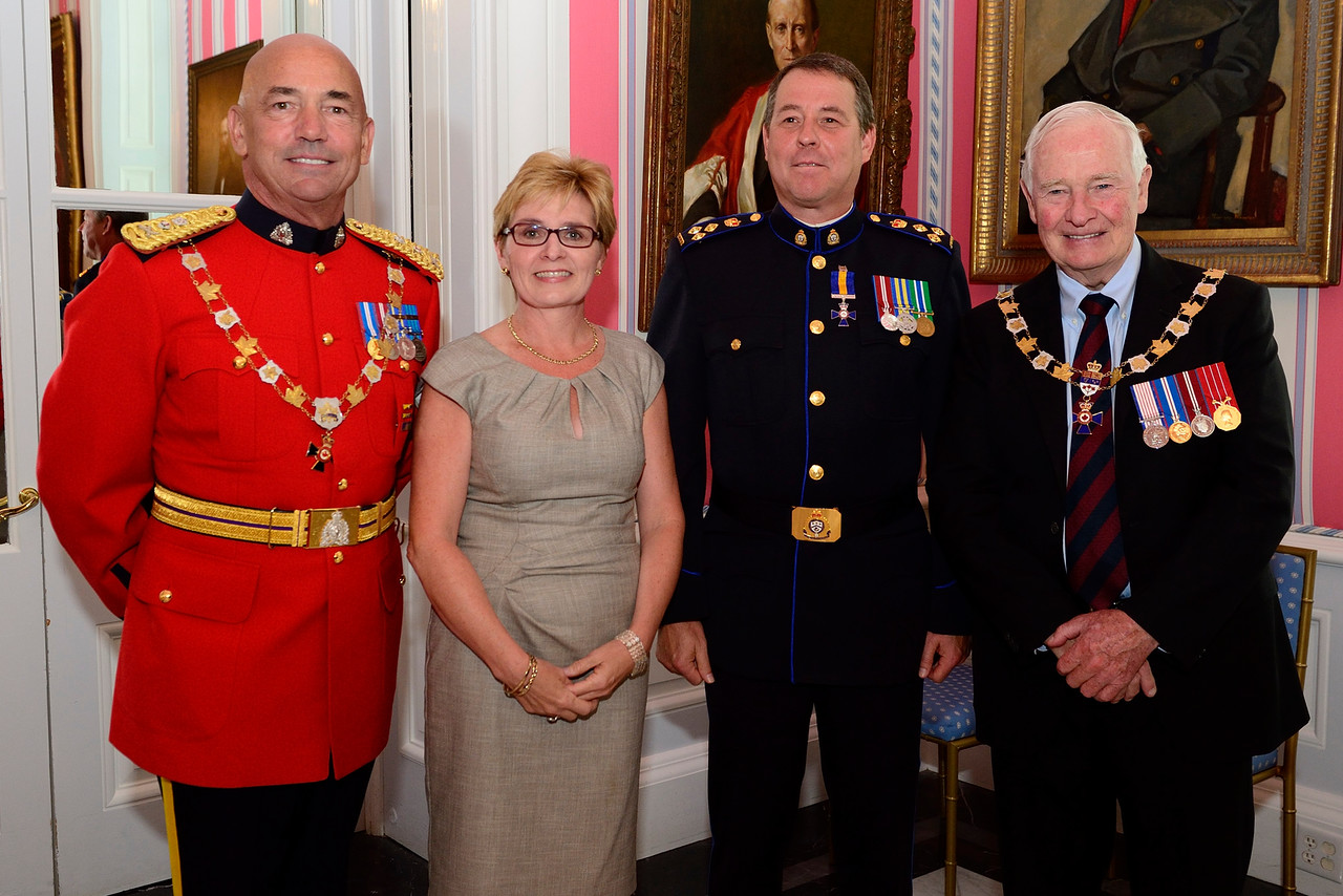 GG02-2016-0335-083 September 16, 2016 Ottawa, Ontario, Canada  His Excellency the Right Honourable David Johnston, Governor General of Canada, presided over an Order of Merit of the Police Forces investiture ceremony at Rideau Hall on Friday, September 16, 2016. During the ceremony, the Governor General, who is chancellor of the Order, bestowed the honour on 1 Commander, 4 Officers and 46 Members.  Credit: MCpl Vincent Carbonneau, Rideau Hall, OSGG